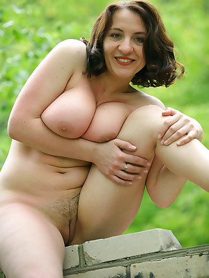 Milf is undressed she is nude under